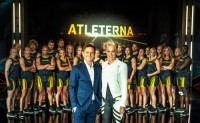 Rickard Olsson och Kajsa Bergqvist leder programmet Atleterna.