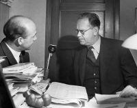Lennart Hyland intervjuar Tage Erlander under valkvällen 1950. Foto: SVT Bild, Johan Ljungström/Sveriges Radio samt SVT Bild.