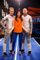 En stark trio i Atleterna: Programledare Malin Olsson samt coacherna Kajsa Bergqvist och Per Fosshaug. Foto: Johan Paulin/SVT