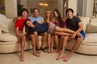 På bilden: familjen Jennings, Griffin, pappa Greg, mamma Jeanette, systern Ari, Sander och Jazz. Foto: Discovery Communications.
