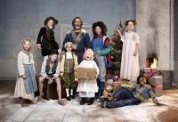 Årets julkalender i SVT är en historielektion i 24 delar som berättar barnens historia – från år 1015 till 2015. Serien återanvänder både besättning och berättargrepp från tittarsuccén Historieätarna och radarparet Erik Haag och Lotta Lundgren spelar vuxenrollerna. Foto:  Karl Nordlund /SVT
