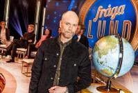 SVT-klassikern Fråga Lund är tillbaka! Programledaren Kristian Luuk testar vetenskapliga teorier och panelen svarar på frågor. Foto: Janne Danielsson /SVT