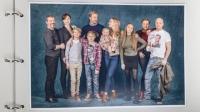 Branco (Dragomir Mrsic), Katja (Petra Mede), William (Jacob Lundqvist), Eddie (Frank Dorsin), Patrik (Erik Johansson), Lo (Saga Wårstam), Lisa (Vera Vitali), Bianca (Amanda Lindh), Emma (Regina Lund) och Martin (Fredrik Hallgren). Foto: Ulrika Malm /SVT