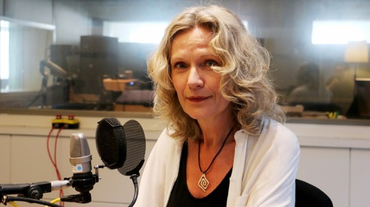 Åsa Wikforss i studion. Foto: Björn Andersson /Sveriges Radio