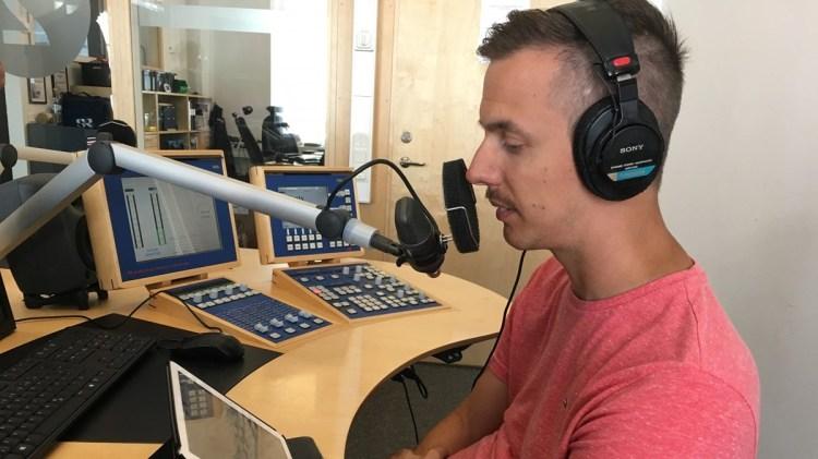Jonas Waltelius under inspelningen av Sommar. Foto: Sveriges Radio