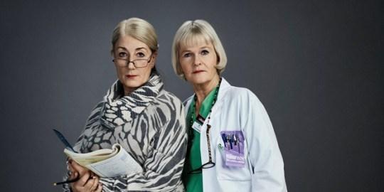 Jenny (Lotta Tejle) och Cecilia (Sissela Kyle), Foto: Pär Bäckstrand/TV4