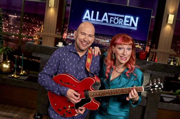 Björn Ling och nya programledaren Josefin Johansson. Foto: Bo Håkansson /SVT