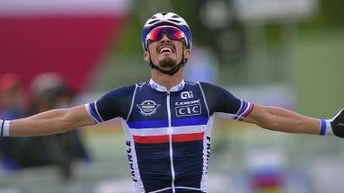 Vinnare i linjeloppet på VM i cykel 2020, Julian Alaphilippe Foto: SVT