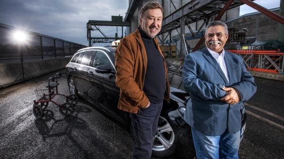 Janne Josefsson och Mohammad Lamari. Foto: Janne Danielsson/SVT