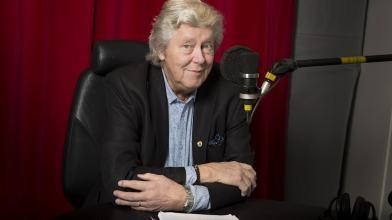 Ulf Elfving minns 60-talet och blandar musik med egna minnen och historiska händelser i P4 Plus den 9 januari kl. 13.00. Foto: Micke Grönberg/Sveriges Radio